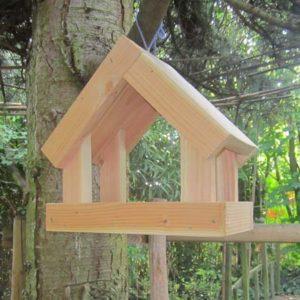 Mangeoire cabane pour oiseaux en bois